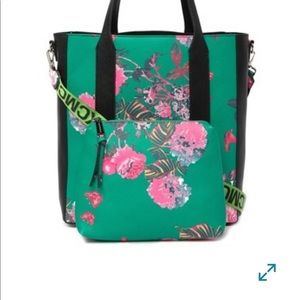 Steve Madden Bags - NWT Steve Madden Floral Tote Bag